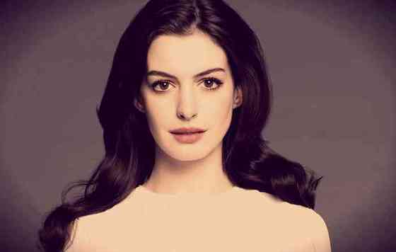 Anne Hathaway Height, Age, Net Worth, Affair, Career, and More