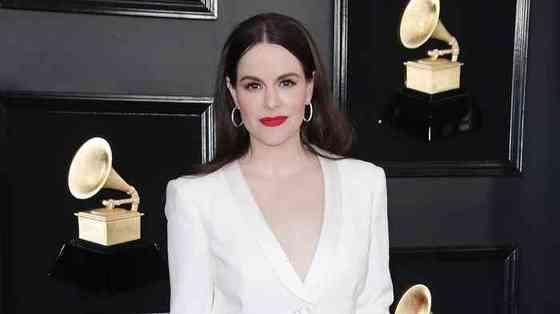 Emily Hampshire Net Worth, Height, Age, Affair, Career, and More