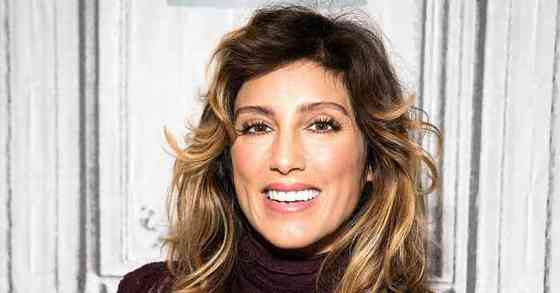 Jennifer Esposito Height, Age, Net Worth, Affair, Career, and More
