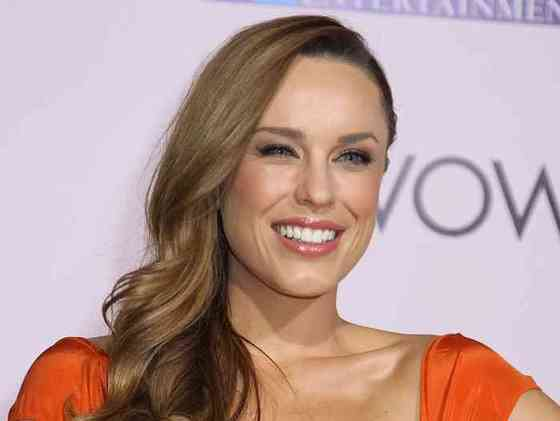 Jessica McNamee Height, Age, Net Worth, Affair, Career, and More