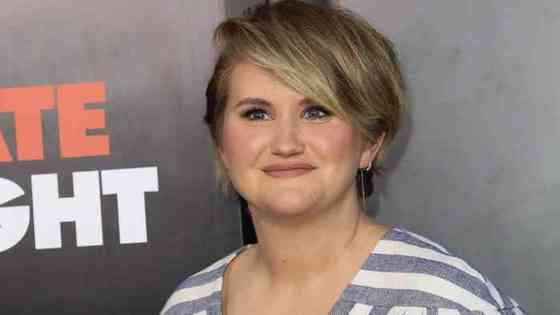 Jillian Bell Age, Net Worth, Height, Affair, Career, and More