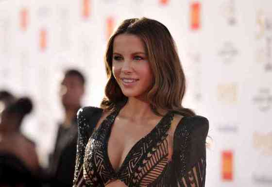 Kate Beckinsale Height, Age, Net Worth, Affair, Career, and More