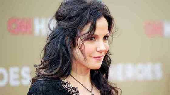 Mary-Louise Parker Age, Net Worth, Height, Affair, Career, and More