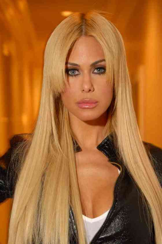 Shauna Sand Age, Net Worth, Height, Affair, Career, and More
