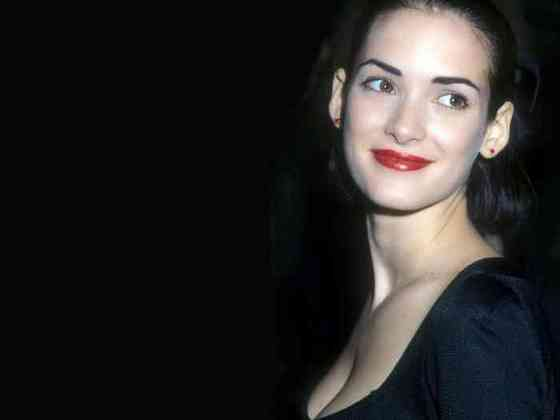 Winona Ryder Age, Net Worth, Height, Affair, Career, and More
