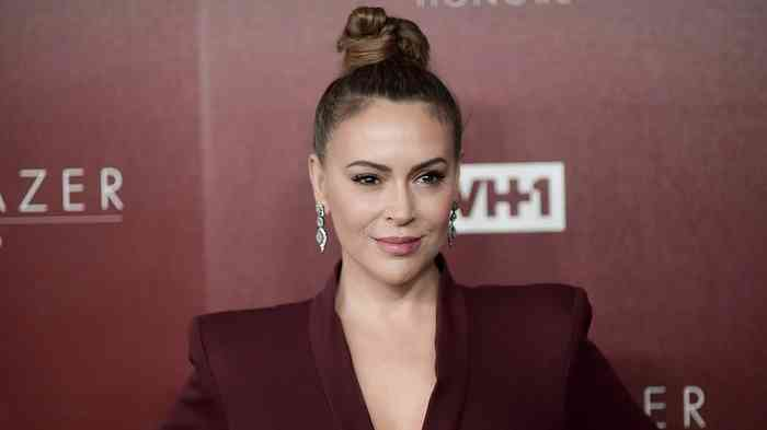 Alyssa Milano Net Worth, Height, Age, Affair, Career, and More