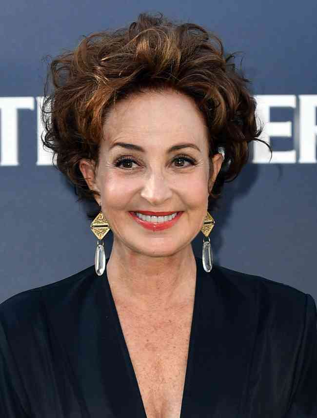 Annie Potts Height, Age, Net Worth, Affair, Career, and More