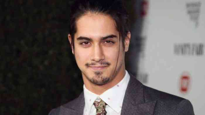 Avan Jogia Height, Age, Net Worth, Affair, Career, and More
