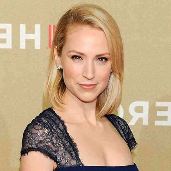 Beth Riesgraf Age, Net Worth, Height, Affair, Career, and More