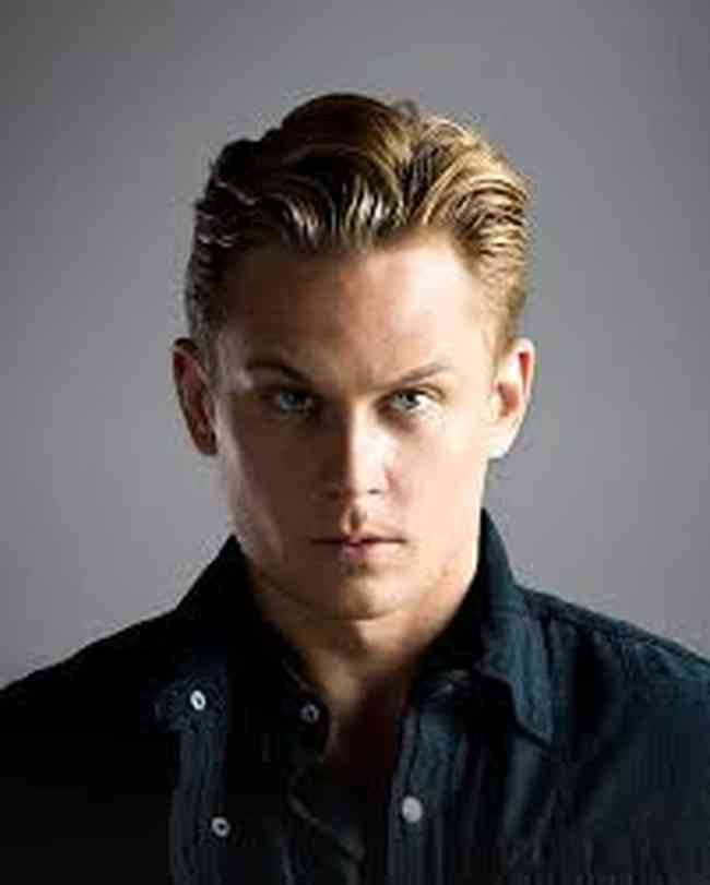 Billy Magnussen Net Worth, Age, Height, Career, and More