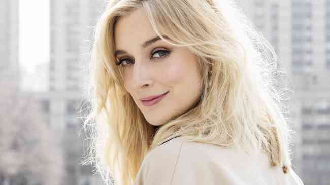 Caitlin Fitzgerald Net Worth, Age, Height, Career, and More