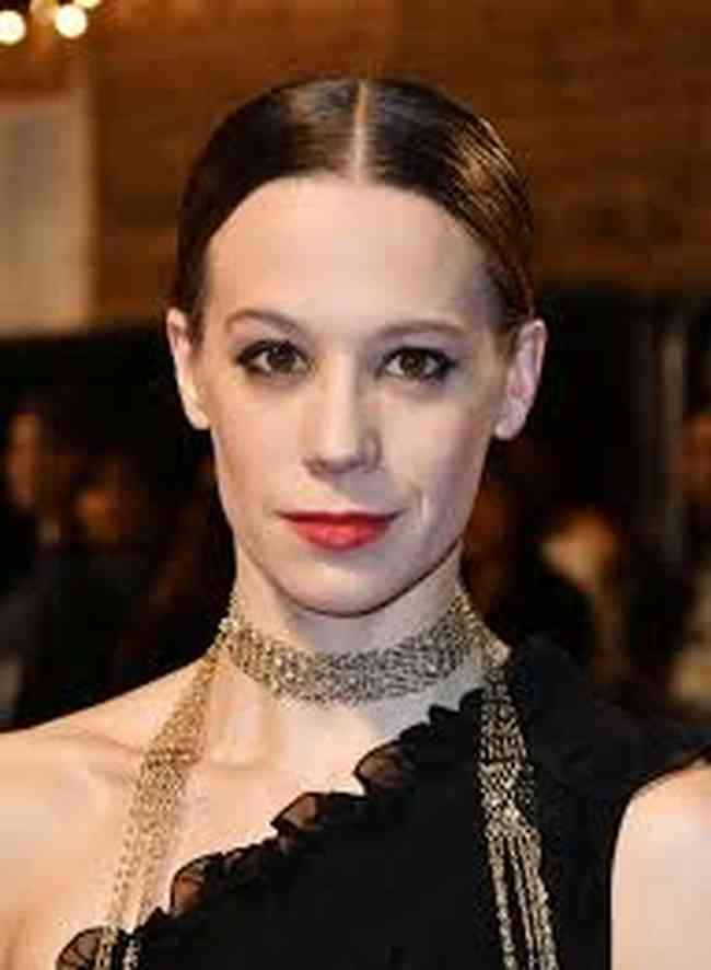 Chloe Pirrie Height, Age, Net Worth, Affair, Career, and More