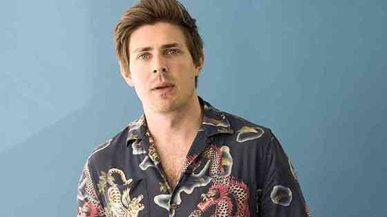 Chris Lowell Age, Net Worth, Height, Affair, Career, and More