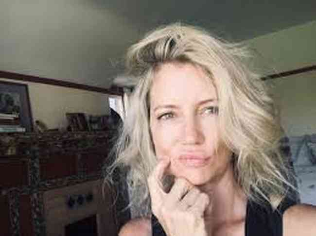 Cynthia Watros Net Worth, Height, Age, Affair, Career, and More