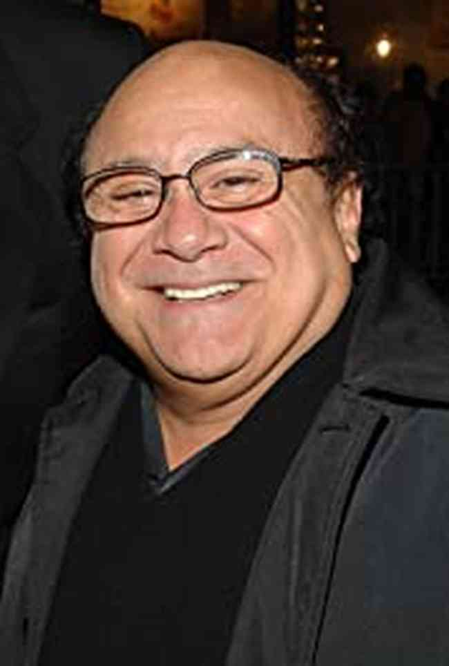 Danny DeVito Height, Age, Net Worth, Affair, Career, and More