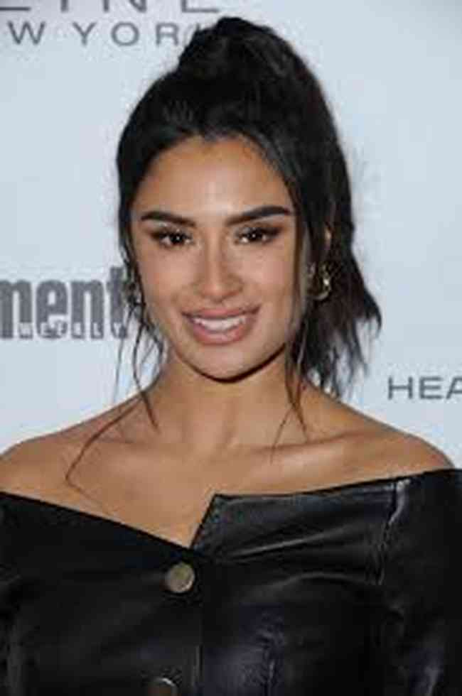 Diane Guerrero Height, Age, Net Worth, Affair, Career, and More
