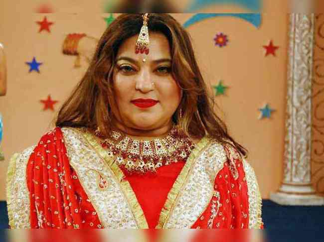 Dolly Bindra Age, Net Worth, Height, Affair, Career, and More