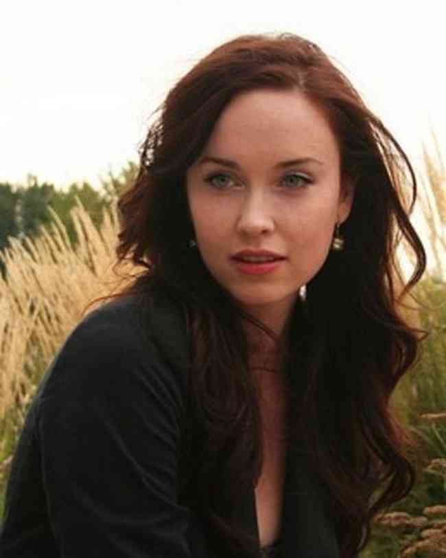 Elyse Levesque Net Worth, Age, Height, Career, and More