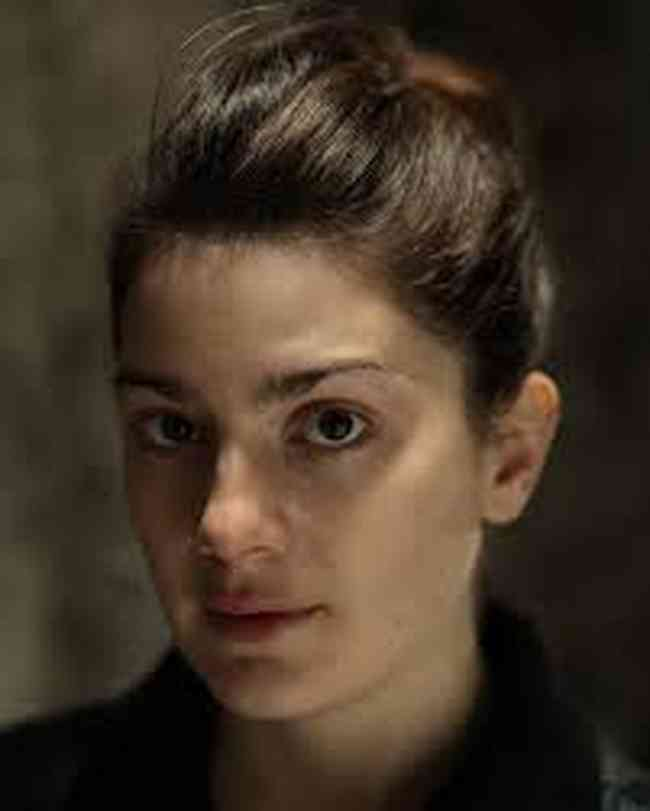 Gaby Hoffmann Net Worth, Age, Height, Career, and More