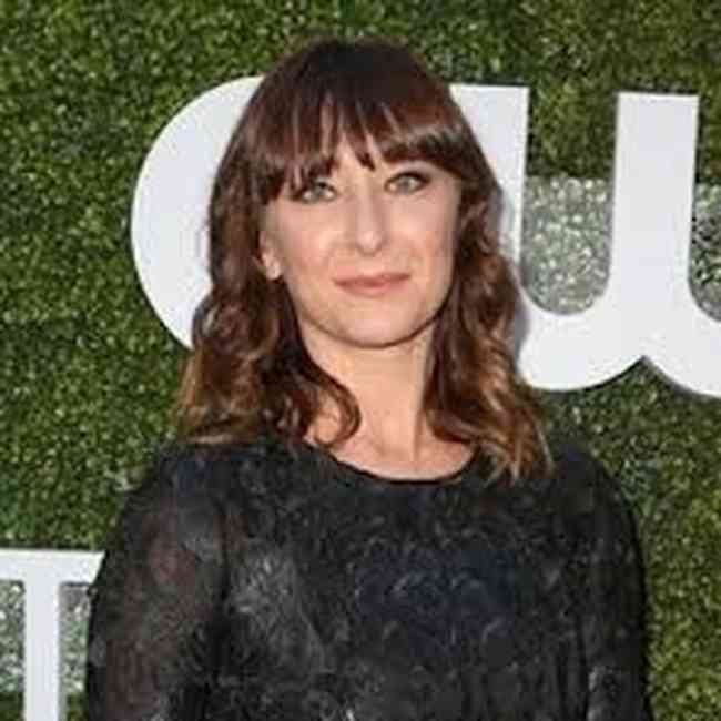 Isidora Goreshter Age, Net Worth, Height, Affair, Career, and More