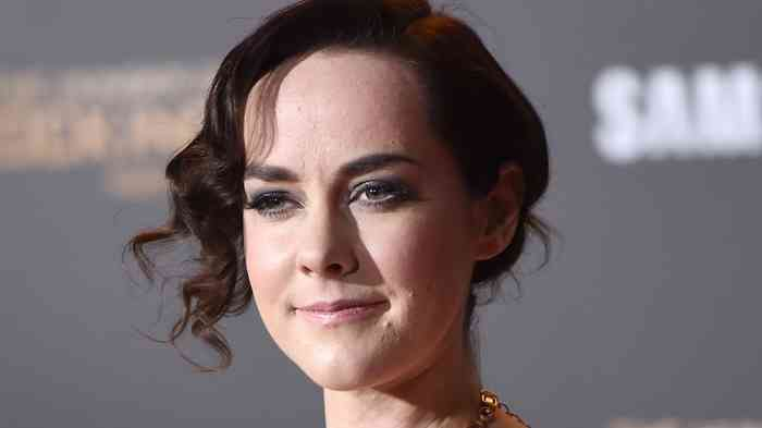 Jena Malone Net Worth, Height, Age, Affair, Career, and More