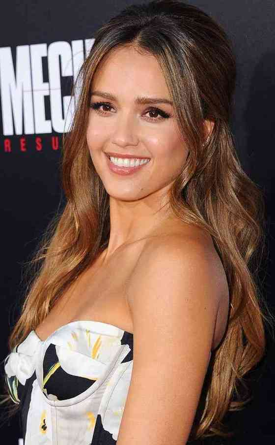 Jessica Alba Height, Age, Net Worth, Affair, Career, and More