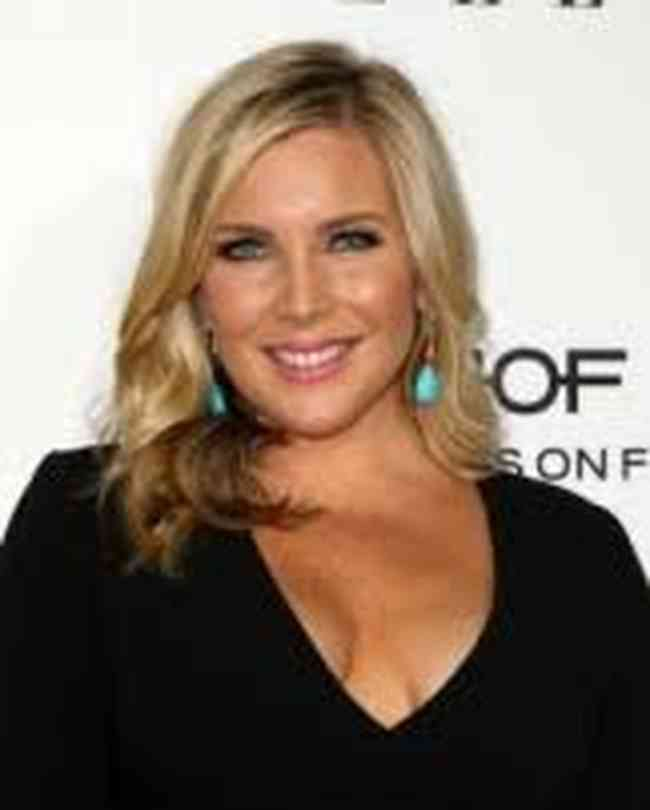 June Diane Raphael Net Worth, Age, Height, Career, and More