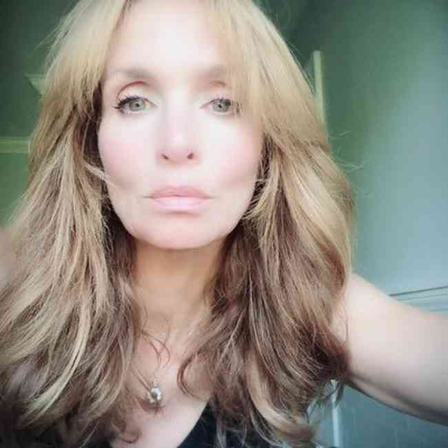 Kristen Cloke Age, Net Worth, Height, Affair, Career, and More