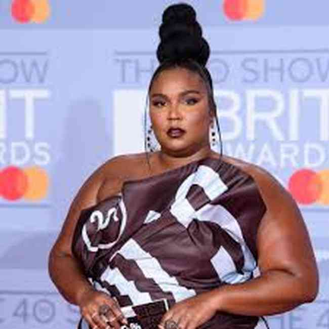 Lizzo Height, Age, Net Worth, Affair, Career, and More