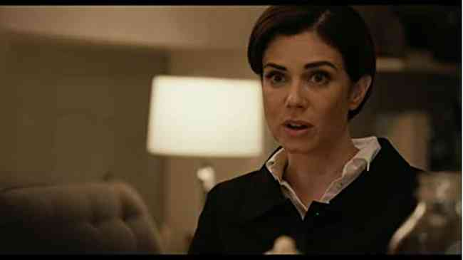 Mia Kirshner Net Worth, Height, Age, Affair, Career, and More