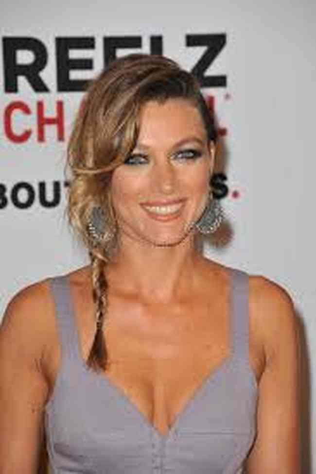 Natalie Zea Net Worth, Age, Height, Career, and More