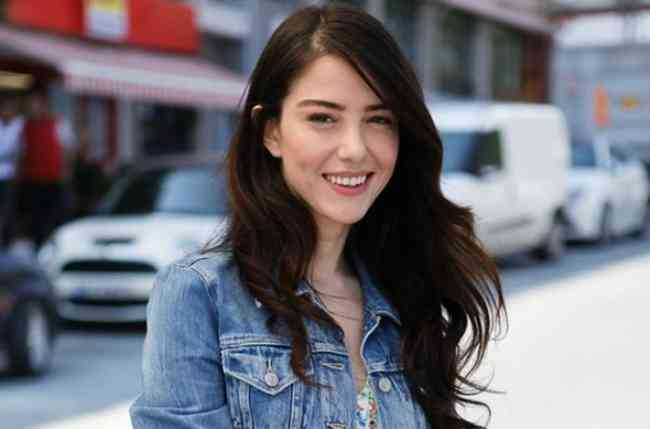 Ozge Gurel Height, Age, Net Worth, Affair, Career, and More