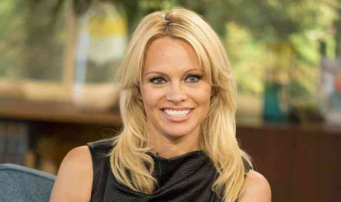 Pamela Anderson Age, Net Worth, Height, Affair, Career, and More