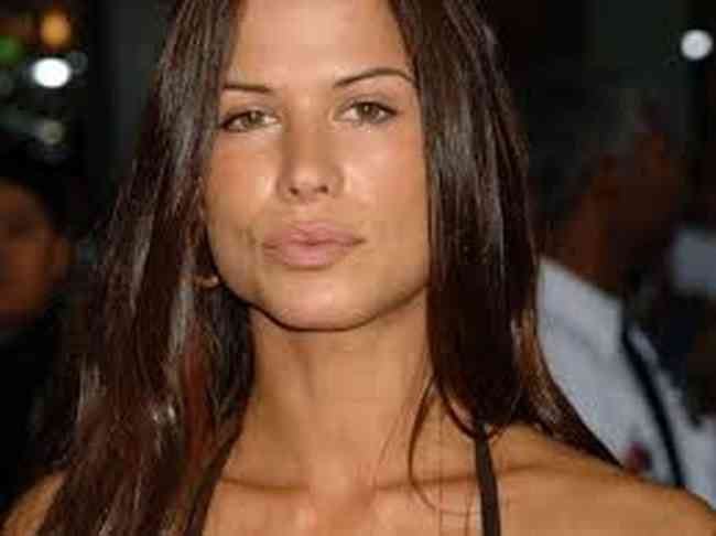 Rhona Mitra Height, Age, Net Worth, Affair, Career, and More