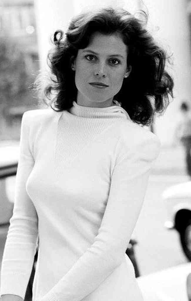 Sigourney Weaver Age, Net Worth, Height, Affair, Career, and More