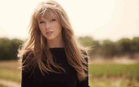 Taylor Swift Age, Net Worth, Height, Affair, Career, and More