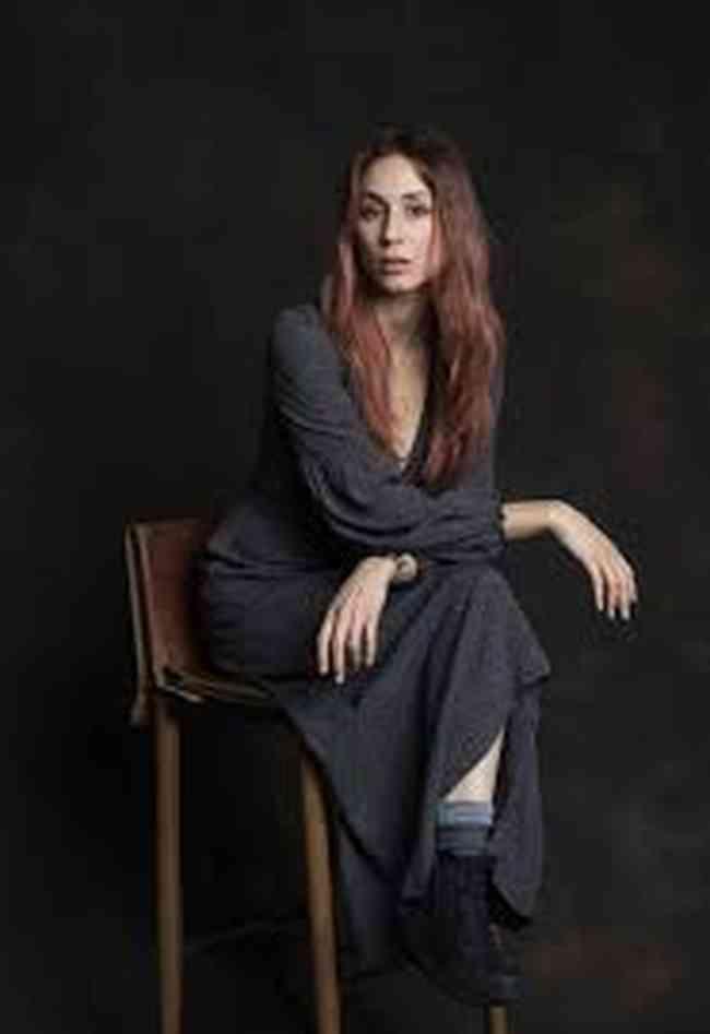Troian Bellisario Age, Net Worth, Height, Affair, Career, and More