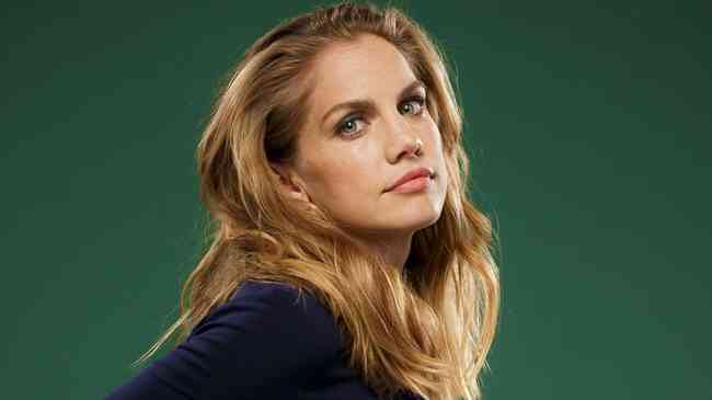 Anna Chlumsky Net Worth, Age, Height, Career, and More