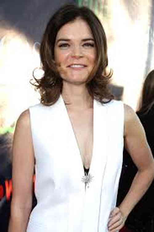 Betsy Brandt Net Worth, Age, Height, Career, and More