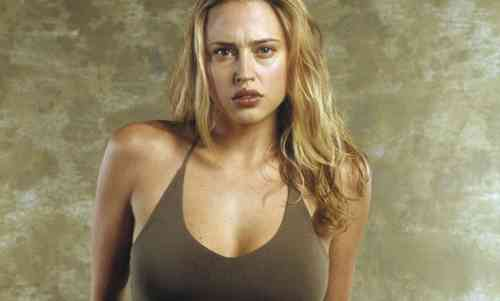 Estella Warren Net Worth, Age, Height, Career, and More