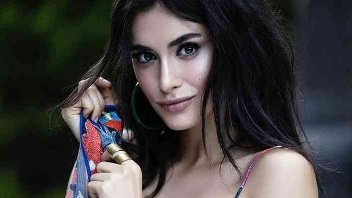 Hande Dogandemir Age, Net Worth, Height, Affair, Career, and More