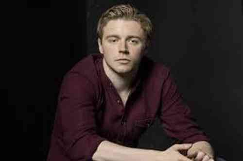 Jack Lowden Height, Age, Net Worth, Affair, Career, and More