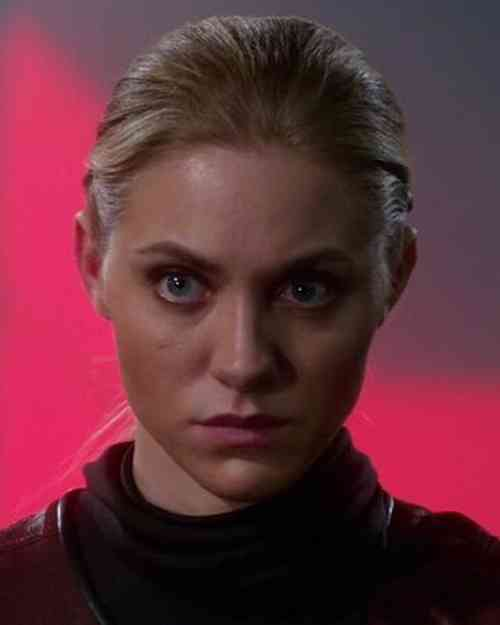 Jessica Sipos Age, Net Worth, Height, Affair, Career, and More