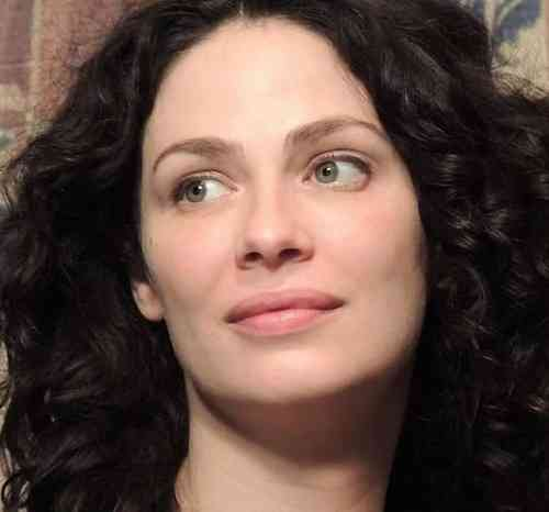 Joanne Kelly Age, Net Worth, Height, Affair, Career, and More