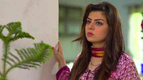 Rida Isfahani Age, Net Worth, Height, Affair, Career, and More