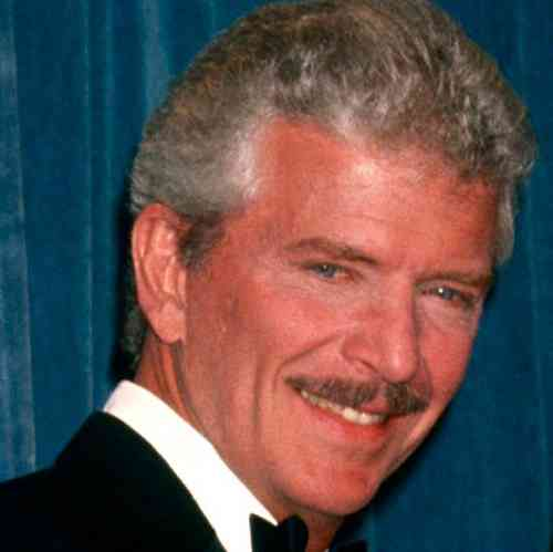 Robert Reed Age, Net Worth, Height, Affair, Career, and More
