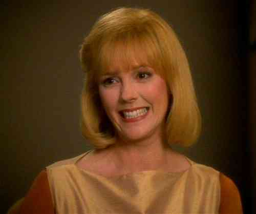 Wendy Schaal Age, Net Worth, Height, Affair, Career, and More