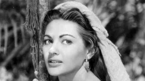 Yvonne De Carlo Net Worth, Age, Height, Career, and More